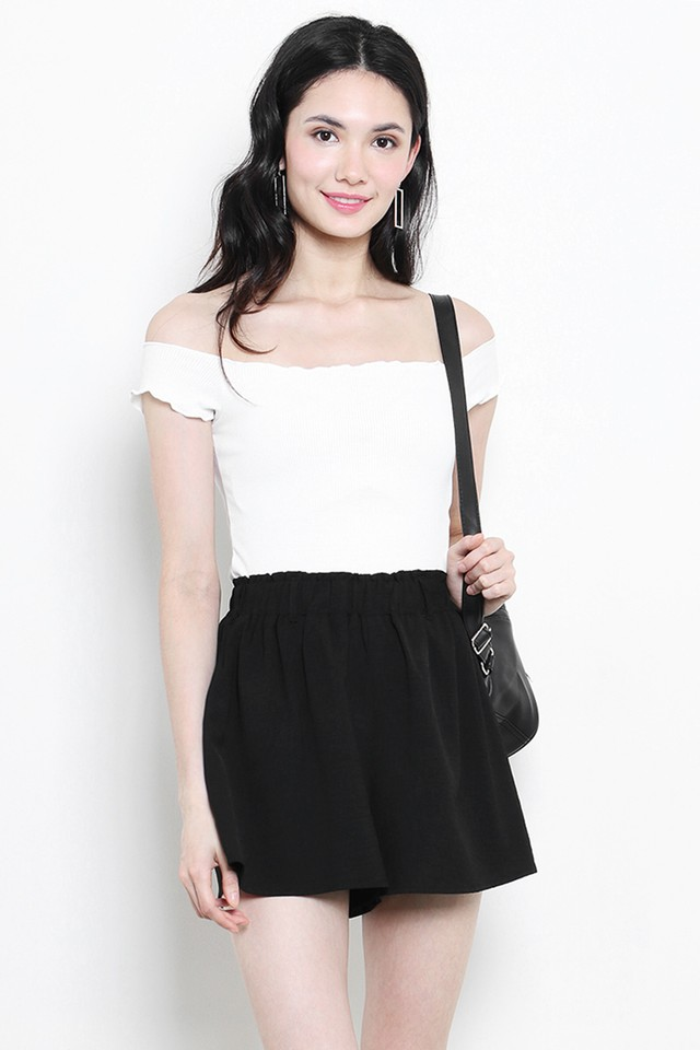 Tasha Shorts Black